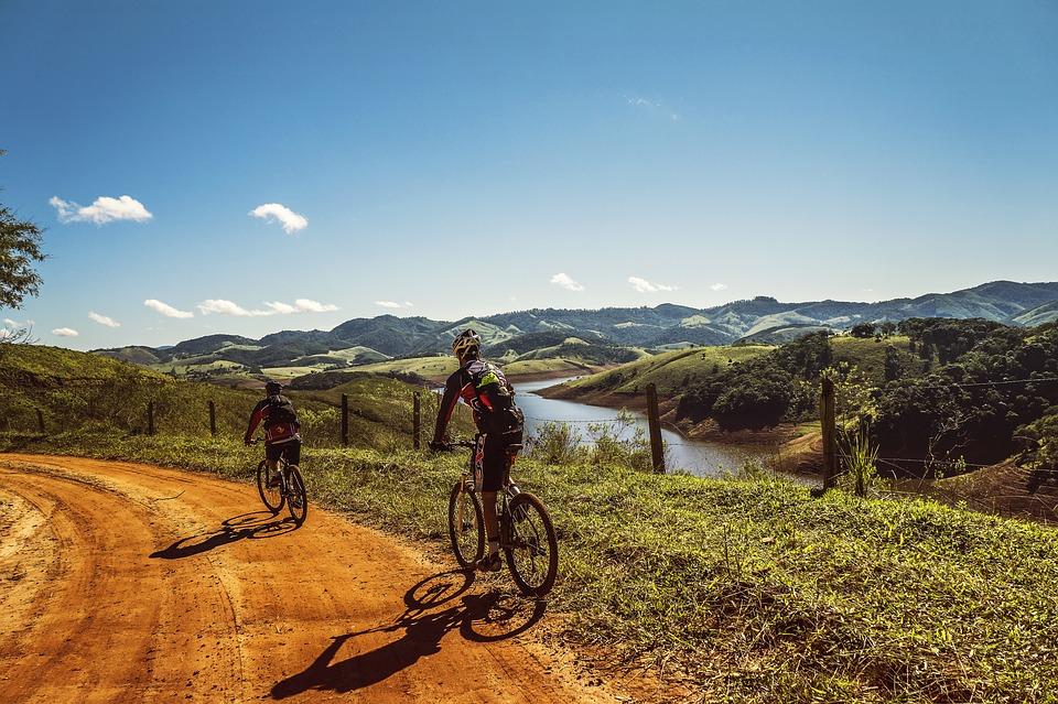 Cresce il numero di appassionati di mountain bike in Italia: sempre più piste e percorsi dedicati, tantissimi gli appuntamenti da non perdere