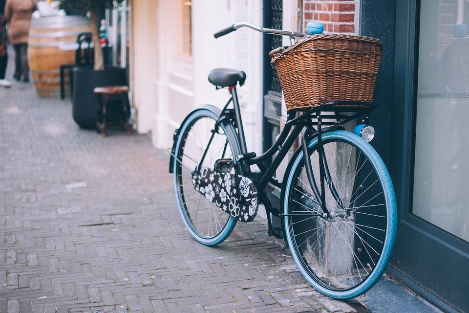 Arriva la targa sulle bici